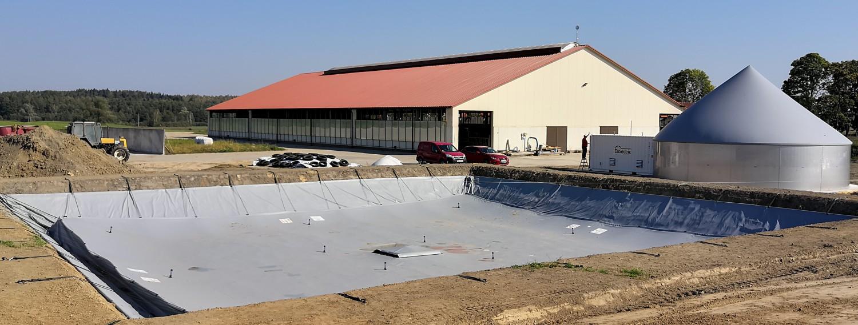 biogazownia i zbiornik
